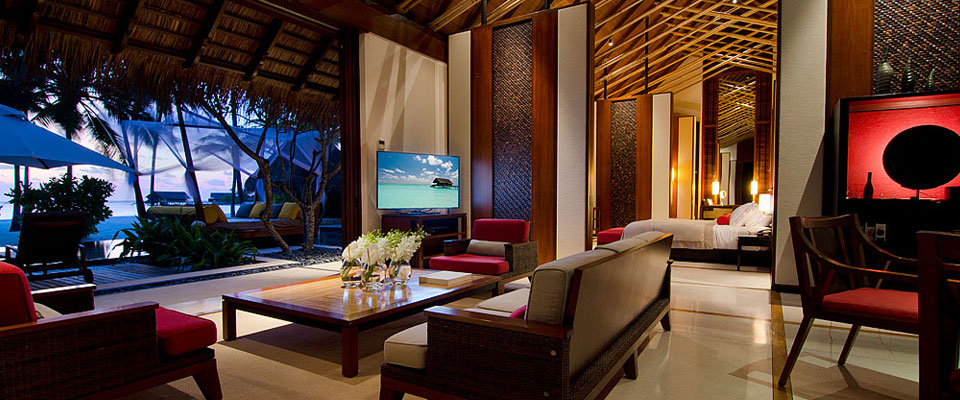 grand beach villa living room