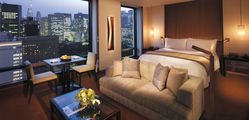 The Peninsula - Deluxe-Park-View-Room-Night.jpg