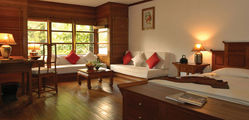 The Governor's Residence Hotel - deluxe-room-02.jpg