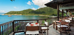 Six Senses Ninh Vanh Bay - Dining by the Bay