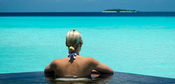 One & Only Reethi Rah - infinity pool