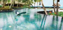 One & Only Reethi Rah - main pool