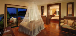 Anantara Si Kao - Pool-Suite-Dining-by-Design.jpg