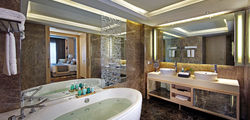 Amari Watergate Hotel - Presidential Suite Bathroom.jpg
