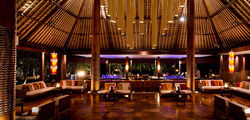 One & Only Reethi Rah - Rah bar interior