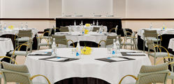 Pine Cliffs Hotel and Pine Cliffs Resort, a Luxury Collection Resort - Sao Rafael Meeting Room