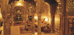 Samode Haveli - Sheesh-mahal-suite.jpg