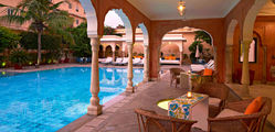Samode Haveli - Swimming-pool-02.jpg