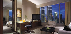 Traders Singapore  - Twin Towers View Suite copy