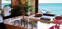 One & Only Reethi Rah - water villa bathroom